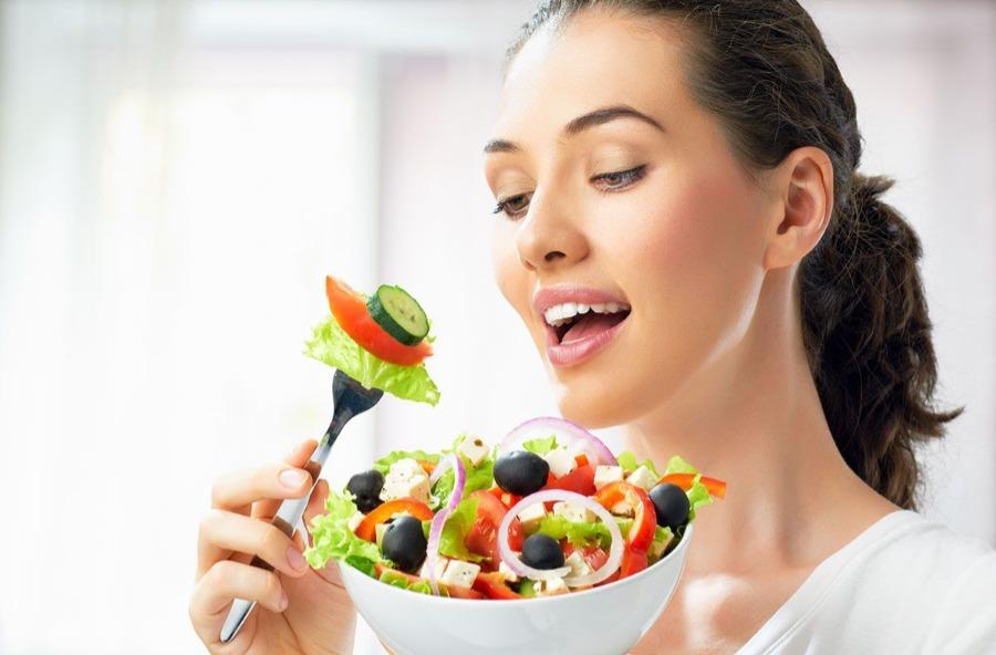Mengkonsumsi Makanan yang Bagus Untuk Kesuburan