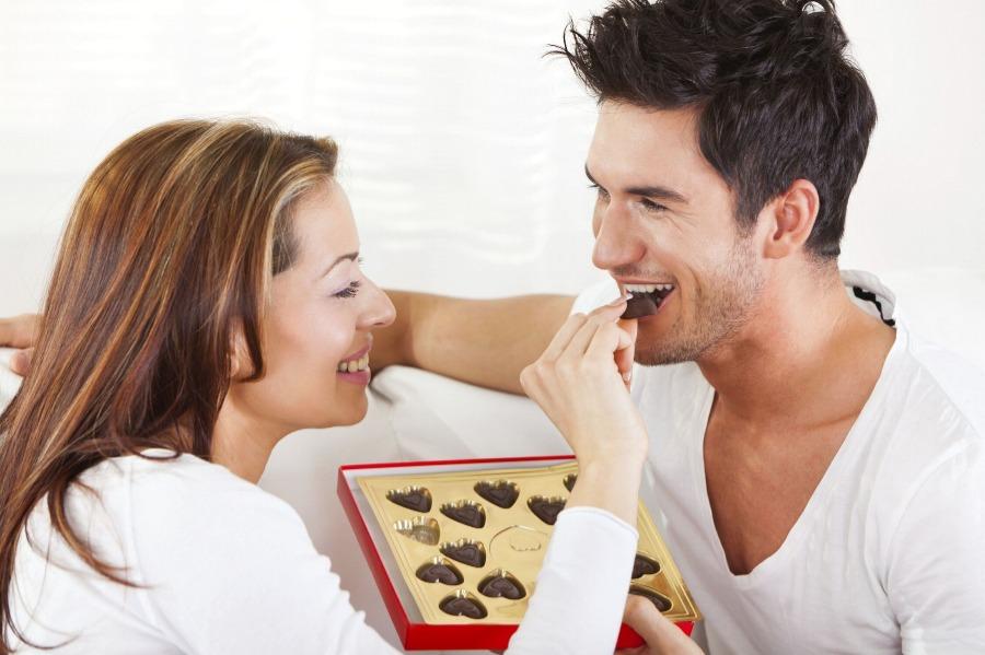 Rutin Mengkonsusmi Cokelat Hitam