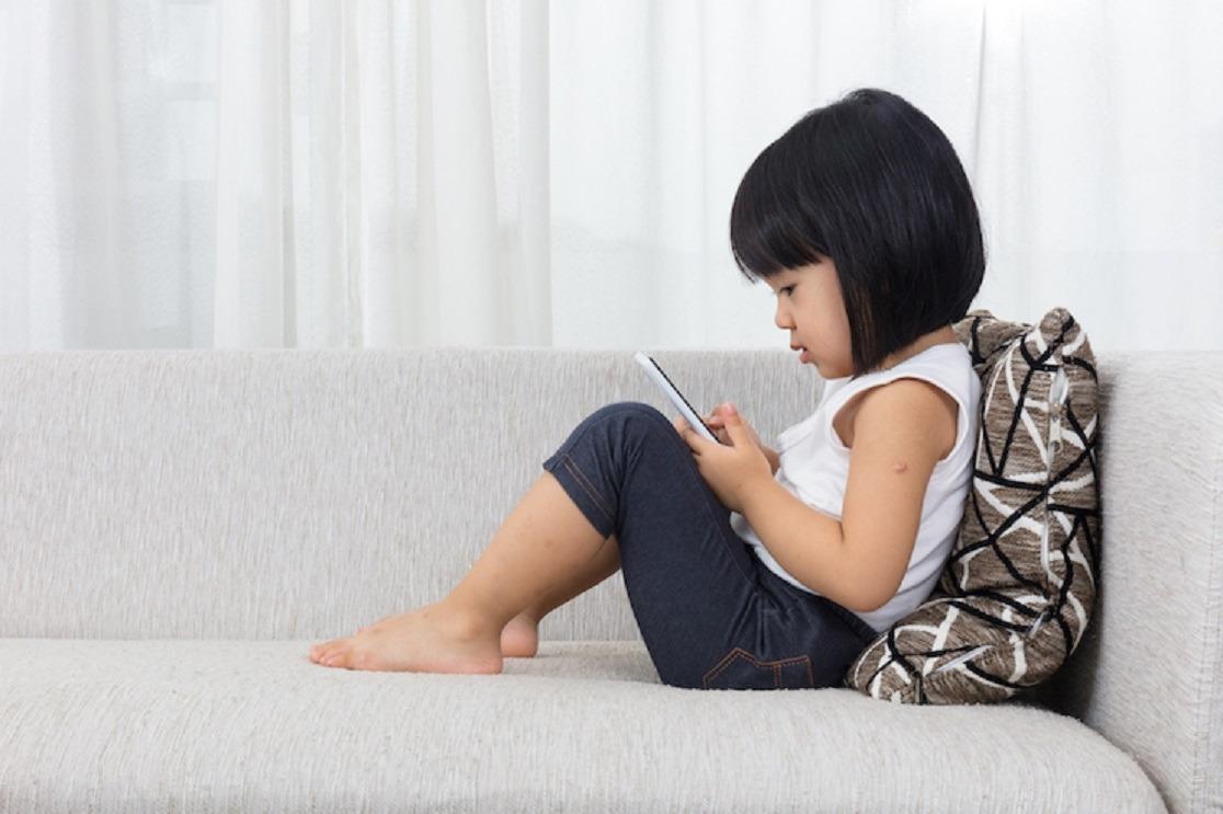 Mengatasi Anak Balita yang Kecanduan Gadget