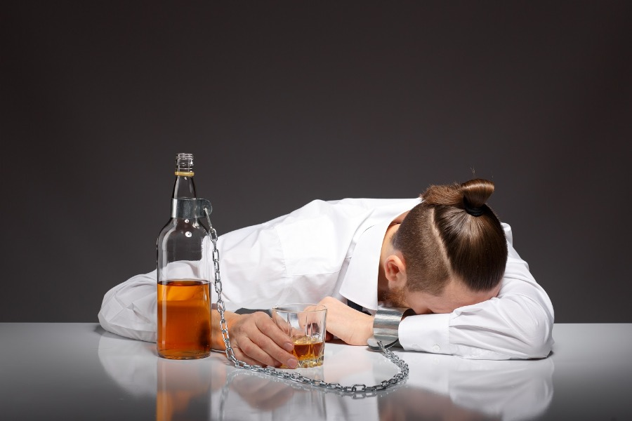 Menghindari Alkohol
